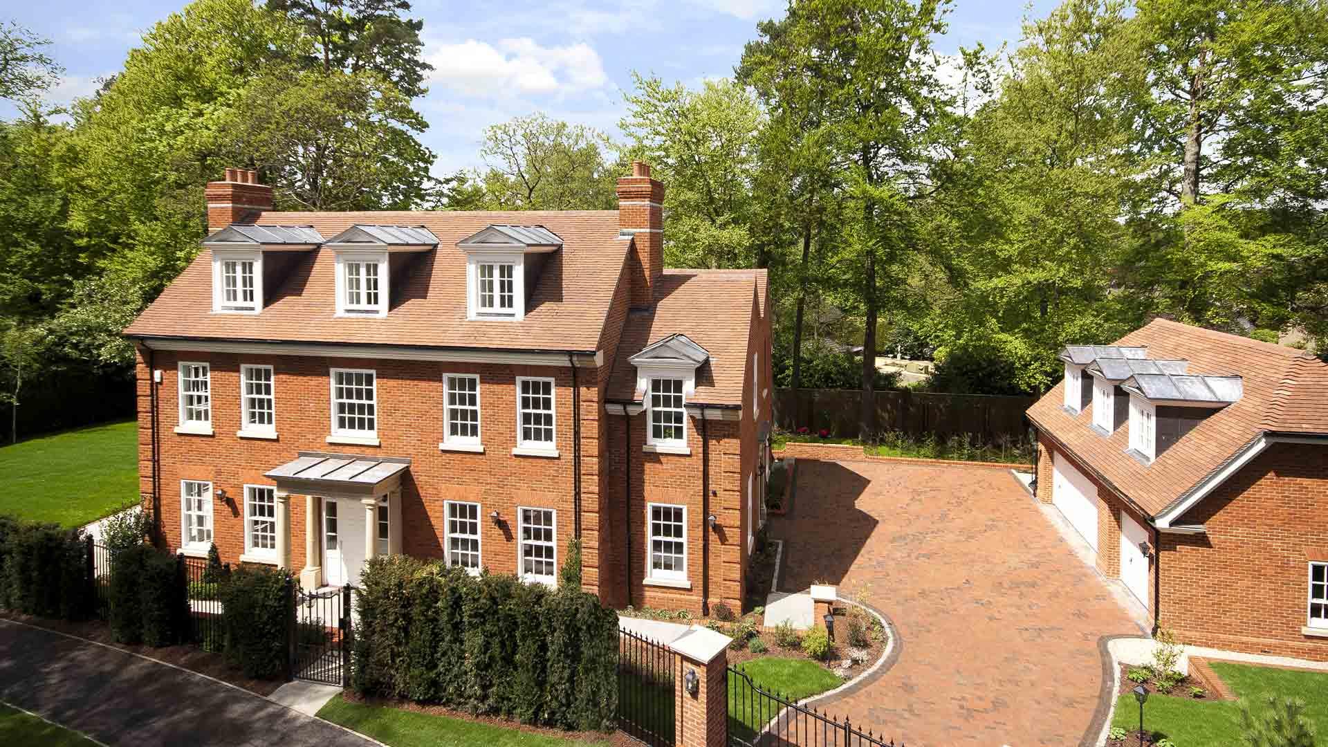 Hanover house nationcrest plc for The hanover house